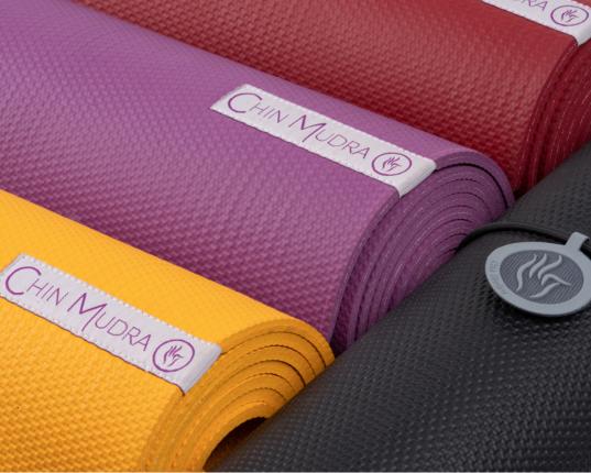 Tapis de Yoga Intensive Mat et déstockage des vetements de yoga