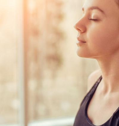 Mantra So Ham: le mantra de la respiration Chin Mudra