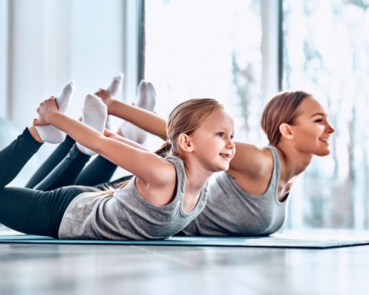 Yoga : La posture de l'arc ou l'asana Dhanurasana